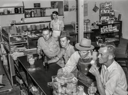 Coke Break: 1941