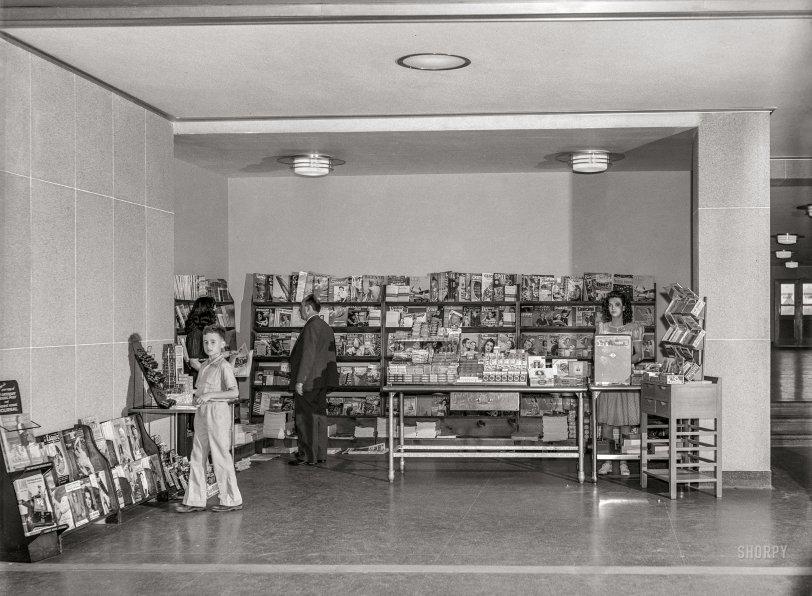 Airport Newsstand: 1941