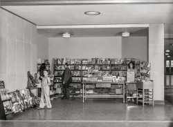 Airport Newsstand: 1941