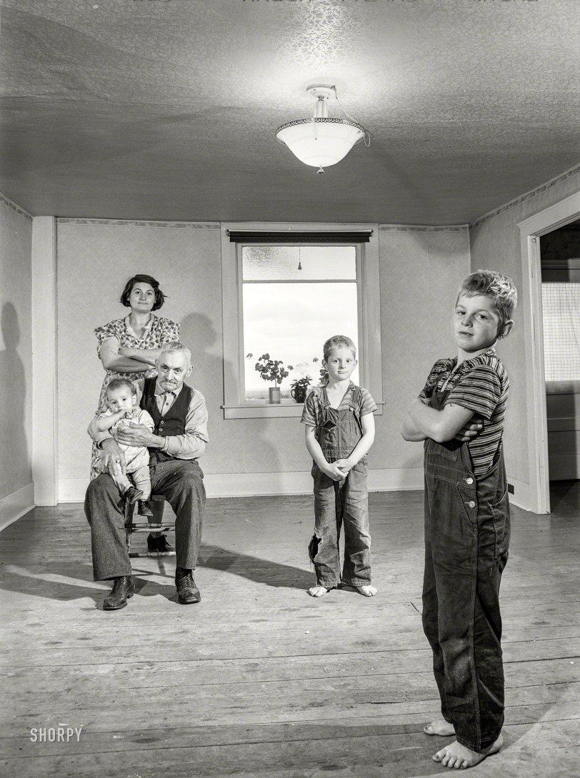 Modern Family: 1941