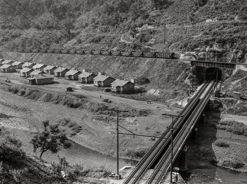 Coal Hole: 1938