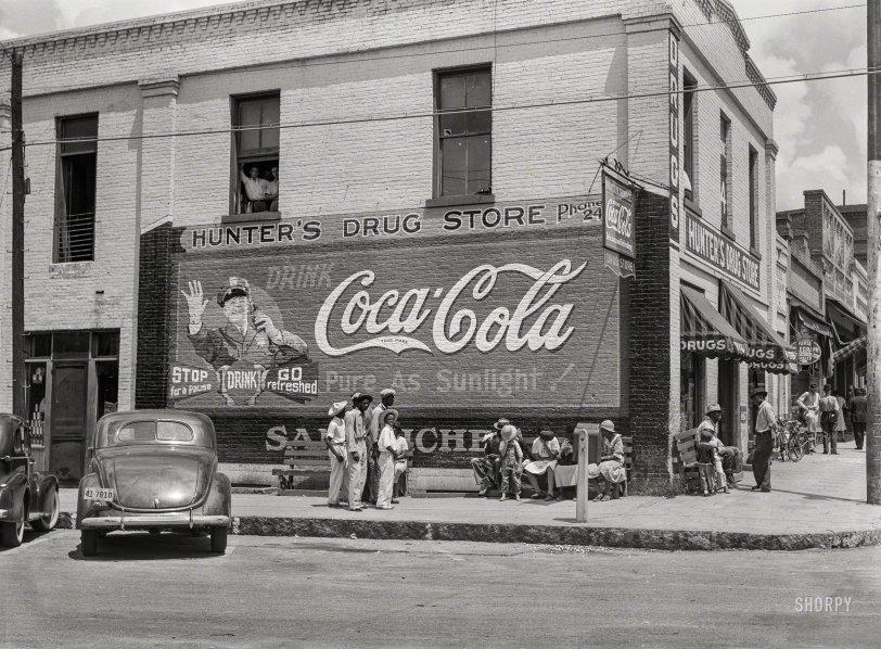 Hunter's Drug Store: 1939