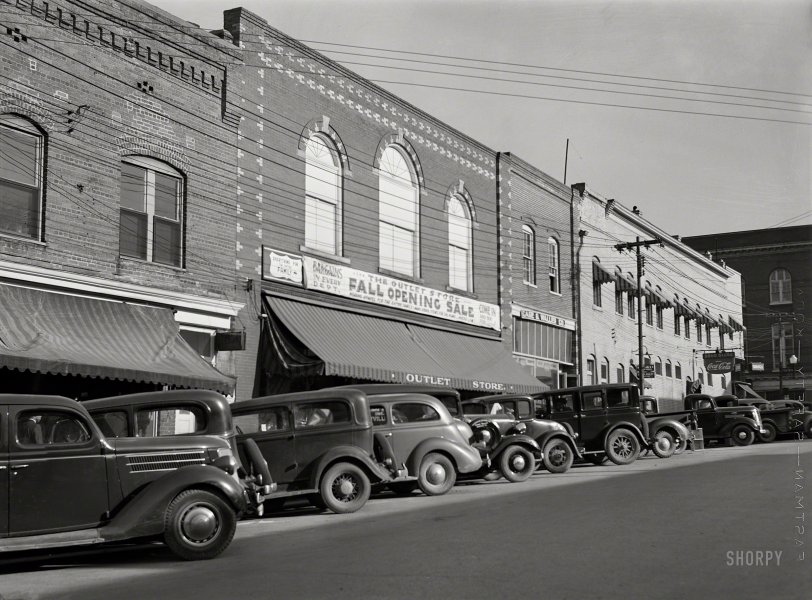 The Outlet Store: 1939
