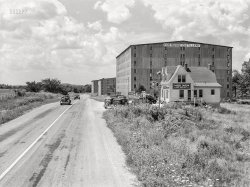 Kentucky Tavern: 1940
