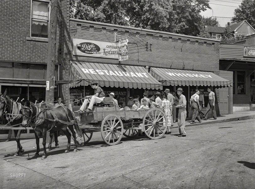 Dixie Whiskey: 1940