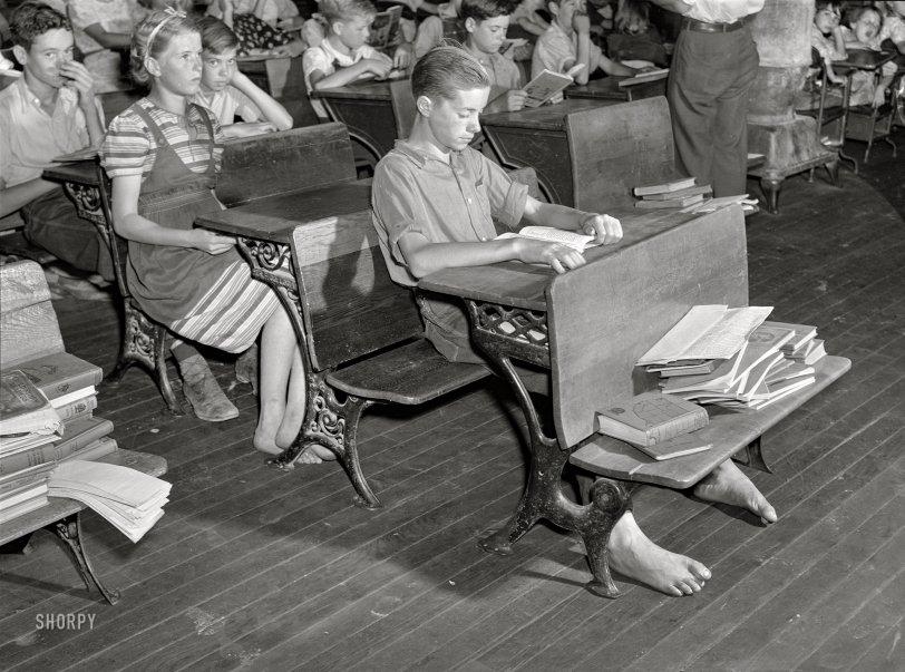 Barefoot Scholars: 1940