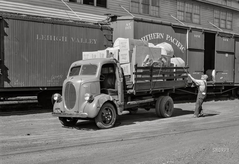 Twin Cities Trucker: 1939