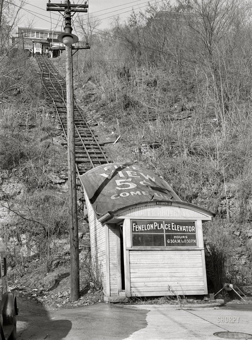 Municipal Elevator: 1940