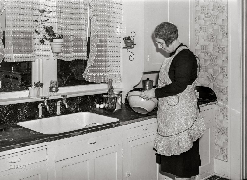 Baked a Cake: 1940
