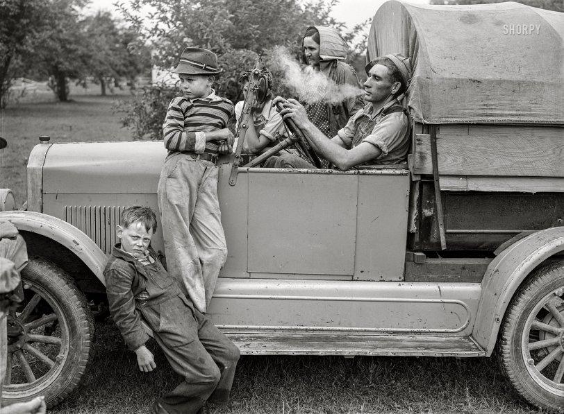 The Cherry Pickers: 1940