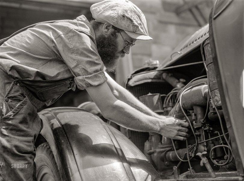 Garage of David: 1940
