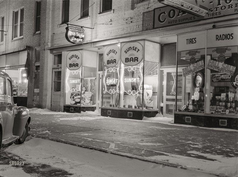 Frosty Mugs: 1940