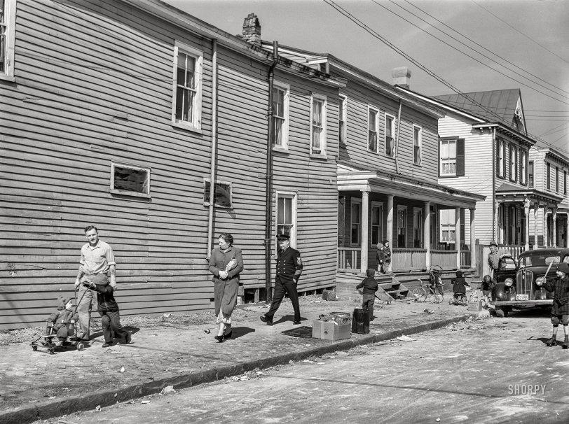 Foot Traffic: 1941