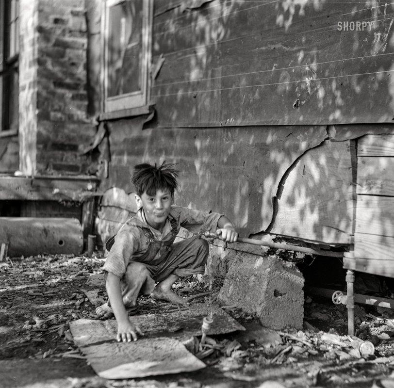Outdoor Plumbing: 1941