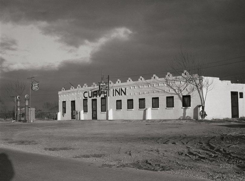 Curve Inn: 1942
