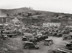 Dick's Wrecking: 1942