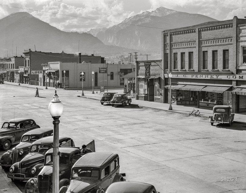 Hamilton: 1942