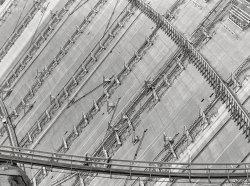 Shasta Dam: 1942