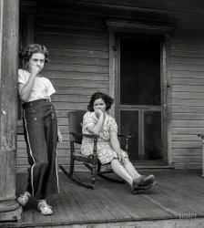 Porch Pouters: 1940