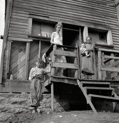 Mountain Mamas: 1938