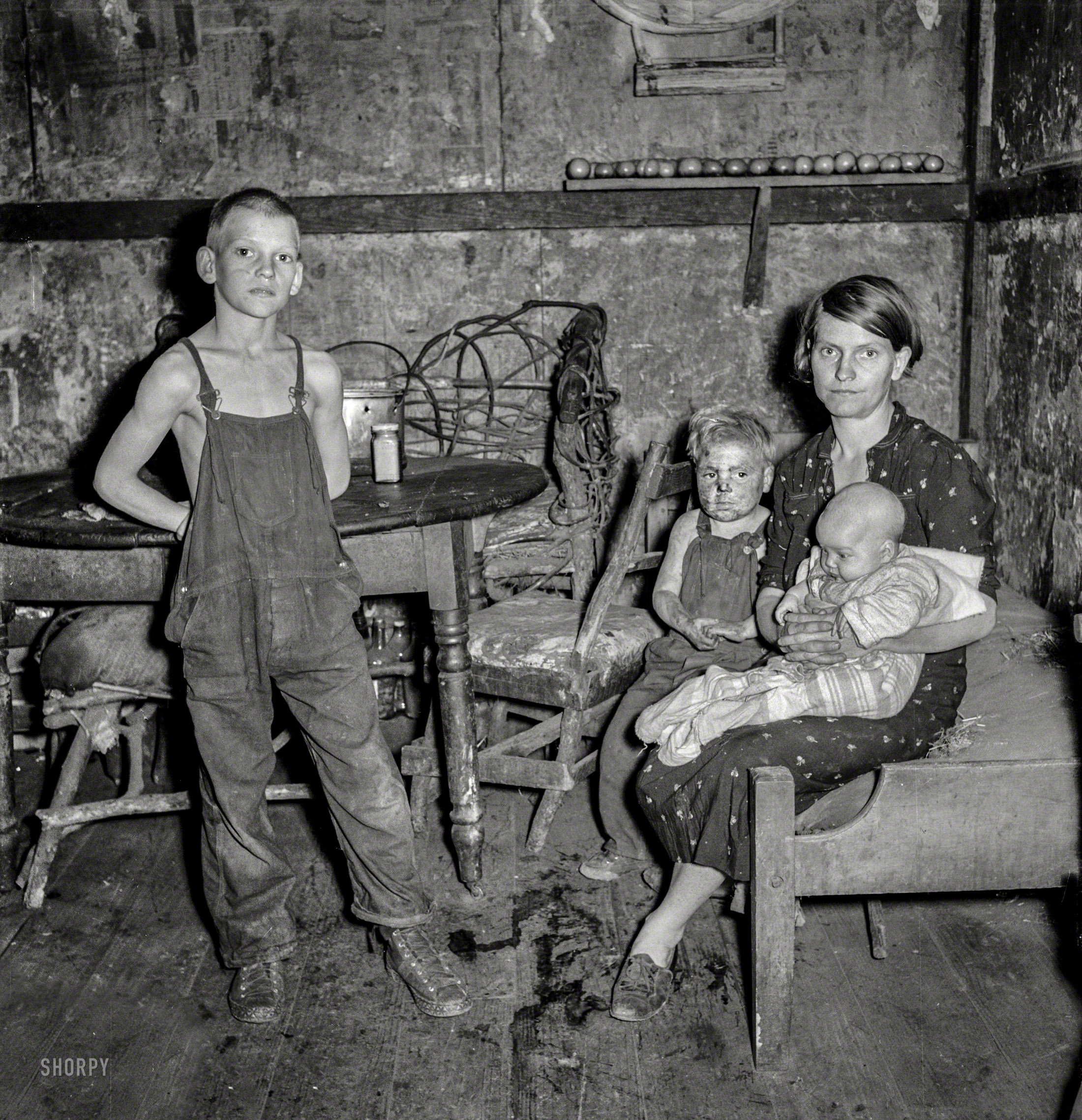 Shorpy Historic Picture Archive :: Sip It Slowly: 1939