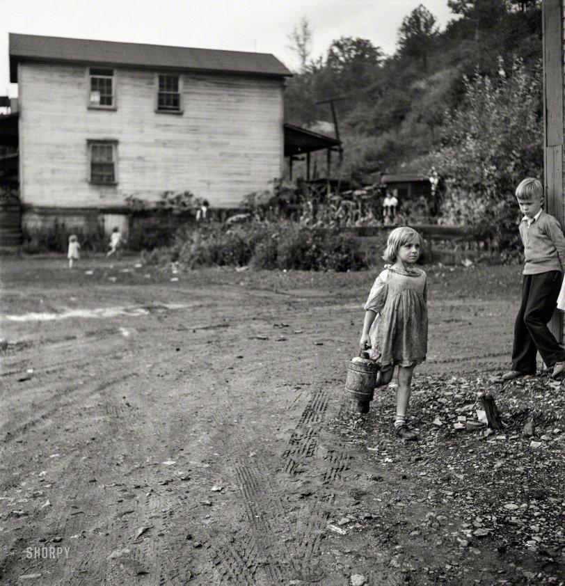 Coal Miner's Daughter: 1938