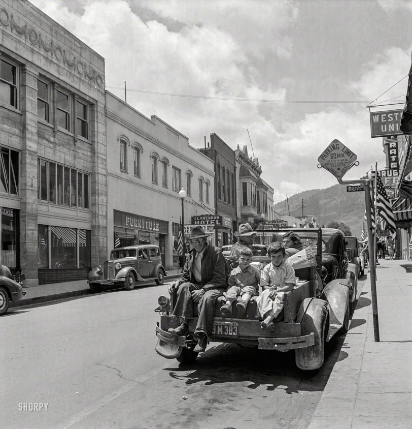 Family Truckster: 1942