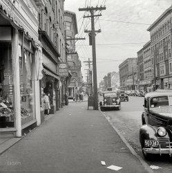 Deluxe Depot: 1941