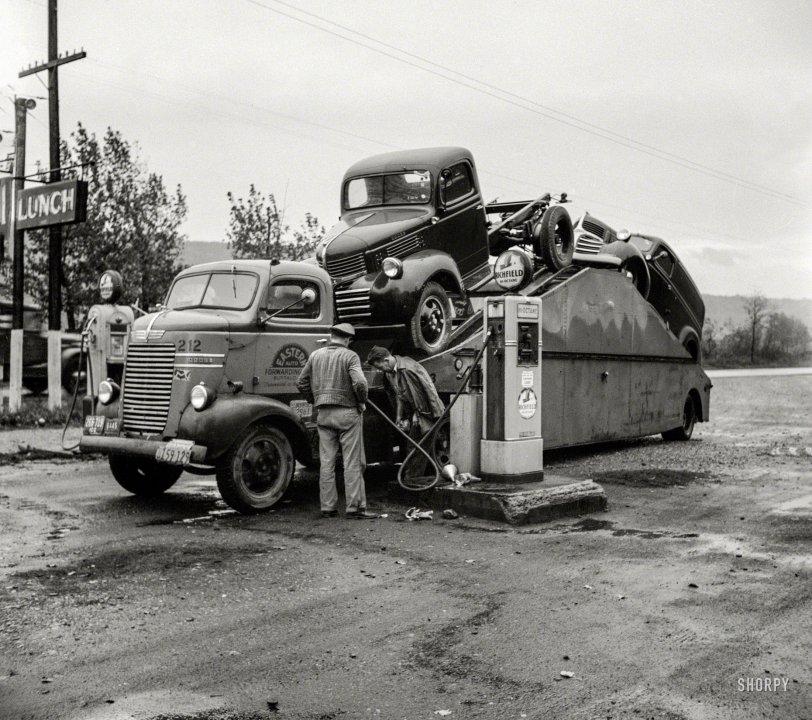 Double Truck: 1941