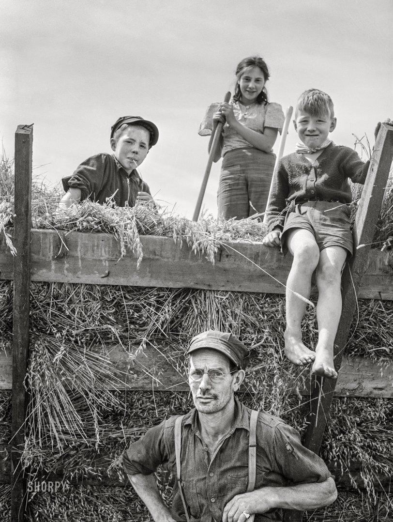 Hay Kids: 1941