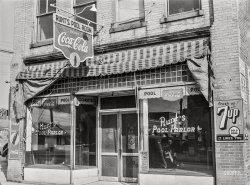 Runt's Pool Parlor: 1939