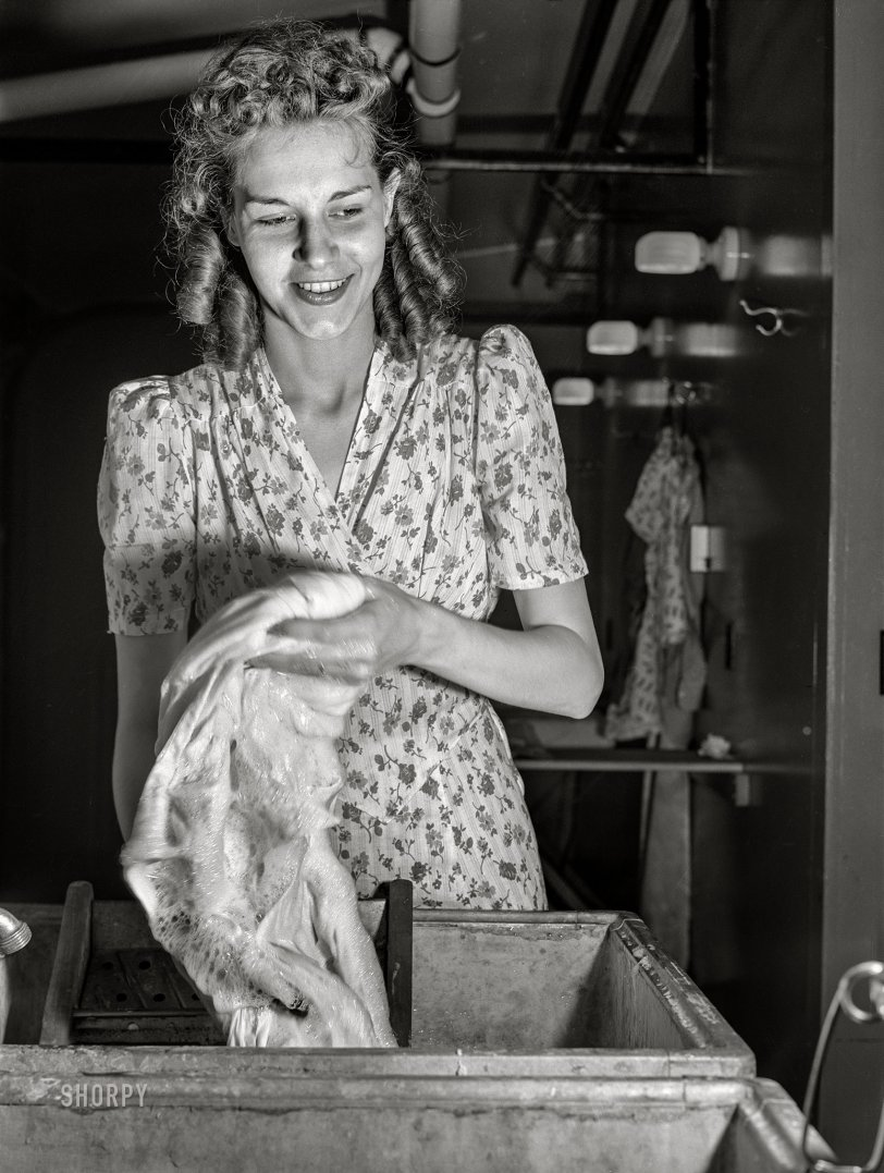 Erie Laundry: 1941