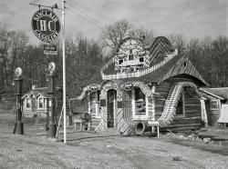 Crazy Cabin Inn: 1942