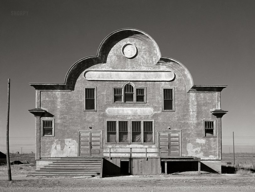Zell Hall: 1942