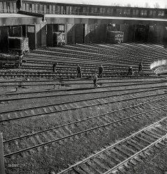 Track Crew: 1942
