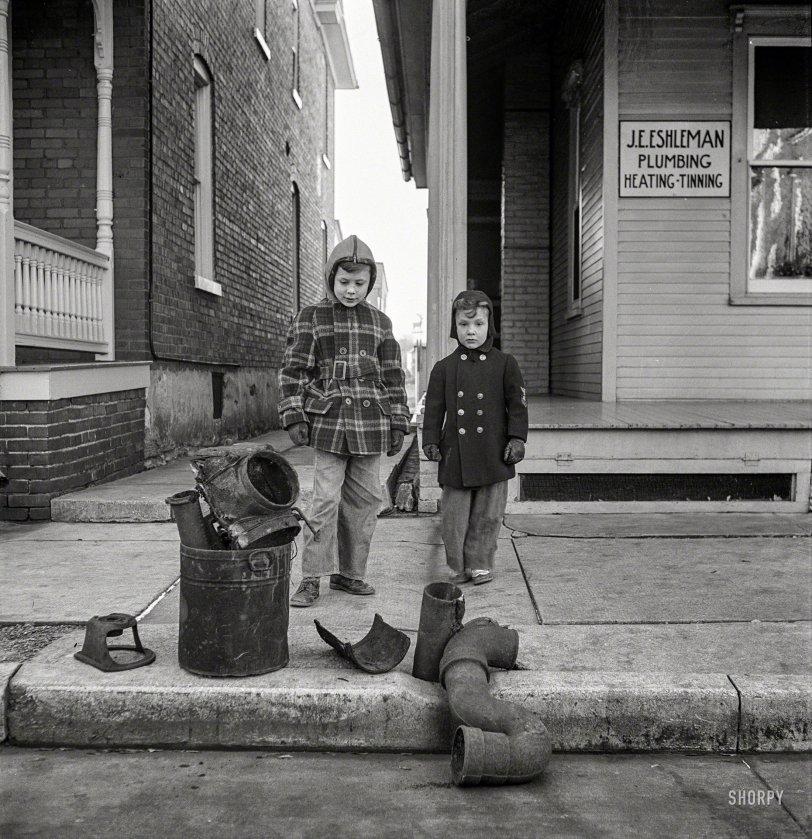 Plumber's Helpers: 1942
