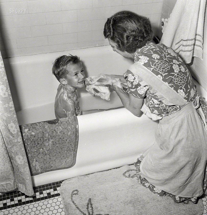 Tub Time: 1942