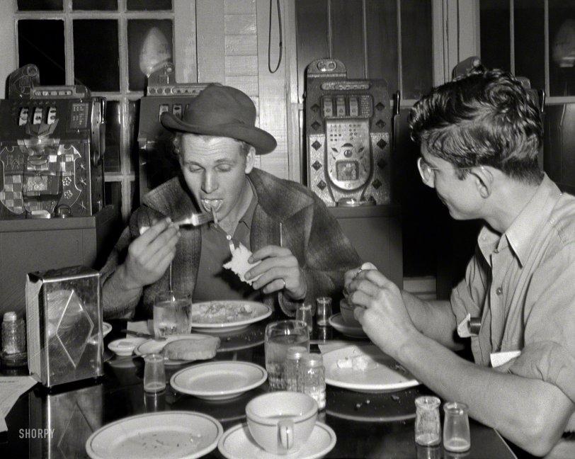 Clean Plate Club: 1943