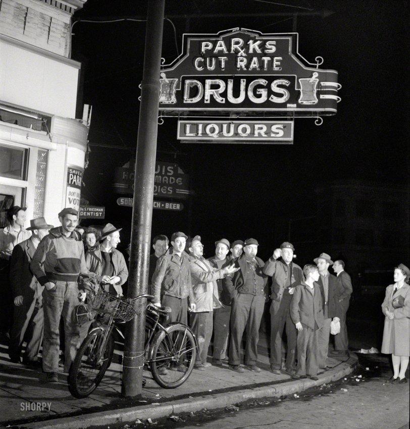 Flash Mob: 1943
