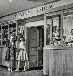 Service Shop: 1943