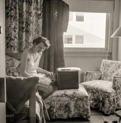 Window Shopping: 1943