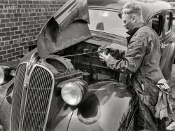 D'Oily Car: 1943