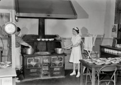 School Lunch: 1943