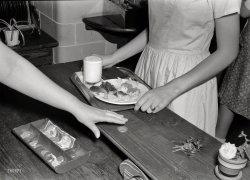 Cafeteria Cuisine: 1943