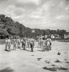 Dodgeball: 1943