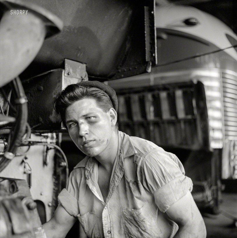 The Bus Whisperer: 1943