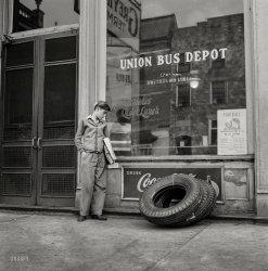 Bus Boy: 1943