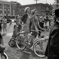 Alpha Females: 1942