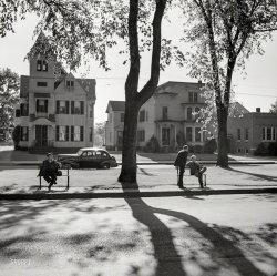 Neighborhood Watch: 1942
