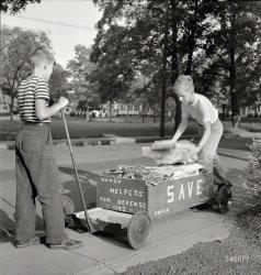 Handy Helpers: 1942